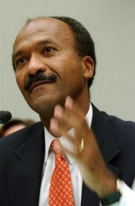 "Franklin Raines - Disgraced Former CEO of Fannie Mae and Barack Obama's advisor on ""Housing and Mortgage Issues"""
